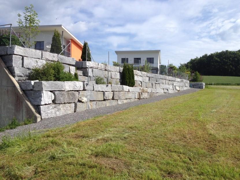 Granitsteinmauer